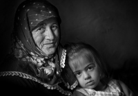 Bacchi-Elena_nonna-e-nipote